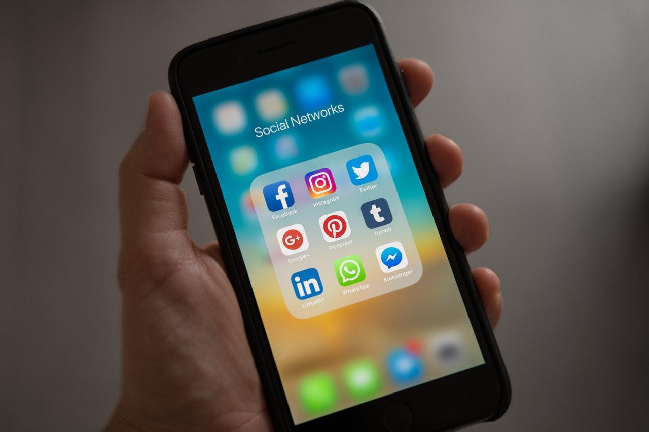 Comment établir sa stratégie sur les réseaux sociaux ?